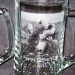 This looked like a really cool idea.  Etch Dads favorite photo on a beer mug. #fathers day gift #personalized beer mug