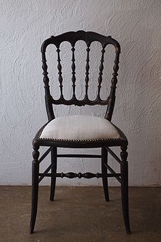 finestaRtフィネスタルトのブログ| アンティーク家具.照明.店舗什器.雑貨.通販 |目黒碑文谷: 漆黒のナポレオンチェアの詳細です