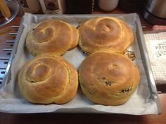 Τσουρέκια νηστίσιμα γεμιστά (με 4 διαφορετικές γεμίσεις)! | Sokolatomania Sokolatomania Muffin, Breakfast, Food, Morning Coffee, Essen, Muffins, Meals, Cupcakes, Yemek