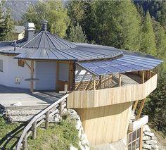 Hotel_PizDePlaies Solar Energy, Bungalow, Homes, Outdoor Decor, Home Decor, Italia, Solar Power, Houses, Decoration Home