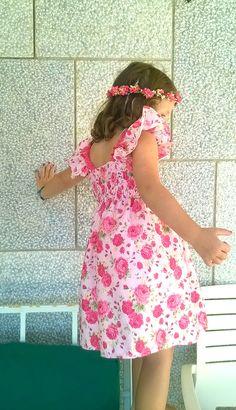 Vestido cor de rosa de elásticos com renda de algodão fuschia  - Pink elastic dress with flowers and fushia cotton lace