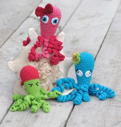 cuttlefish for a neonatology child in Sweden Crochet Ornaments, Crochet Crafts, Crochet Toys, Crochet Projects, Knit Crochet, Crochet Monsters, Crochet Animals, Love Crochet, Crochet For Kids
