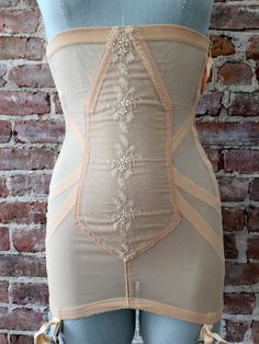 Promise by POIRETTE Full Girdle Deadstock by 58petticoats. I adore vintage girdles. This is an amazing piece.