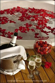 Romantic Room Surprise, Romantic Night, Romantic Dinners, Romantic Birthday, Romantic Valentine Ideas, Romantic Ideas For Him, Romantic Dinner Setting, Romantic Gifts, Romantic Weddings