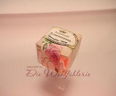 Einfach zurücklehnen und träumen - Romantik pur!  Badewürfel Rosentraum