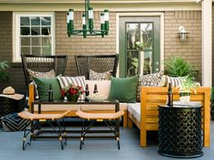 13 Ways to Decorate With Forest Green | Color Palette and Schemes for Rooms in Your Home | HGTV >> http://www.hgtv.com/design/decorating/color/evergreen-a-fresh-take-on-forest-green-pictures?soc=pinterest