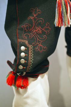 detail of men's knickers. Detail from old Norwegian national costumes (bunads). The collection of Rikard Berge and from the exebition at Seljord of old costumes from Telemark county, Norway Mens Knickers, Norway Viking, Ethno Style, Textiles, Folk Fashion, Folk Costume, My Heritage, Traditional Dresses, Embroidery