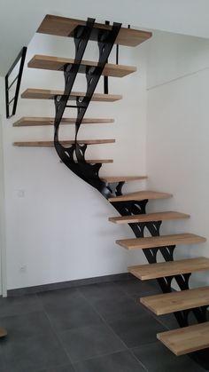 The Beautiful Staircase Decor Of The House Becomes Comfortable - Homemidi Stairs Floor Plan, Flooring For Stairs, House Stairs, Floor Plans, Attic Stairs, Metal Barn Homes, Metal Building Homes, Pole Barn Homes, Staircase Railings