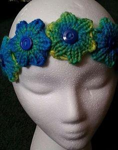 Loom Knit - Quick Knit Flower Headband - Done on 12 peg loom.  From Good Knit Kisses