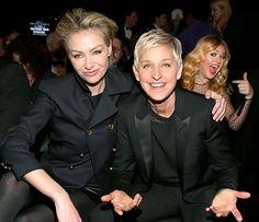 Kelly Clarkson photo bombing Ellen Degeneres and Portia de Rossi at the 2013 Grammys!