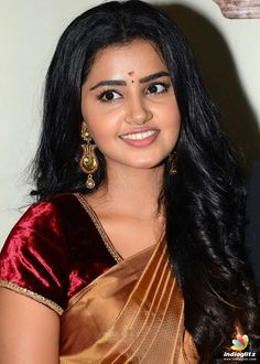 Anupama Parameswaran At Sathamanam Bhavati Benifit Show - Actress Album Indian Actress Hot Pics, Bollywood Actress Hot Photos, Bollywood Girls, Beautiful Bollywood Actress, South Indian Actress, Actress Photos, Beautiful Actresses, Indian Actresses, South Actress
