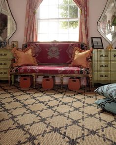pretty rug pattern, done with a glaze or stain instead of paint