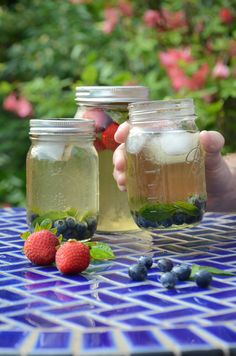 Fourth of July Party Ideas: Garden Sun Tea >> http://www.hgtvgardens.com/holidays/fourth-of-july-backyard-party-ideas?soc=pinterest&s=4