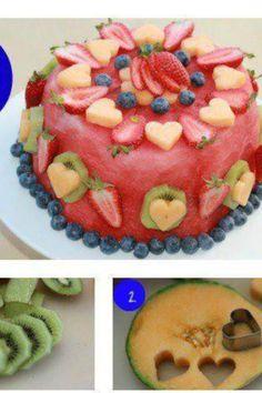 """Melon fruit """"cake""""... Looks like a """"strawberry melon cake"""" to me!"""