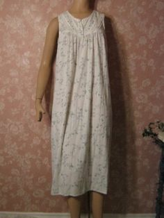 sweet, sweet sweet  Vintage Nightgown  Cotton Sleeveless Lace Inset Blue floral S M openwork