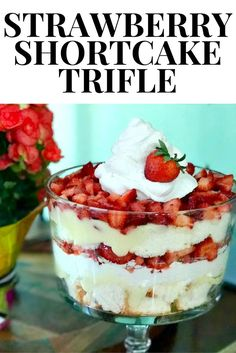 Shortcake Trifle This simple, but oh-so delicious strawberry shortcake trifle recipe. Dessert has never been so good! simple, but oh-so delicious strawberry shortcake trifle recipe. Dessert has never been so good! Köstliche Desserts, Delicious Desserts, Dessert Recipes, Yummy Food, Icing Recipes, Pudding Recipes, Layered Desserts, Cheesecake Desserts, Plated Desserts