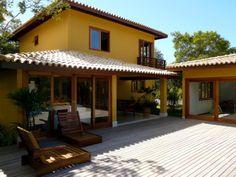 Bela casa, em condomínio fechado de alto padrão e luxo à venda em  Itacimirim, Bahia, Brasil.  Saber mais aqui - http://www.imoveisbrasilbahia.com.br/itacimirim-casa-de-alto-padrao-a-venda