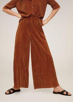 Plissé-culotte - Dames | Mango Nederland Baggy Trousers, Trousers Women, Wide Leg Pants, Pants For Women, Pleated Fabric, Pleated Pants, Summertime Outfits, Comfy Pants, Pull On Pants