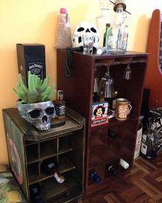 Mais um cliente feliz e contente com nossa IsCool em casa  [Modelo vaso/cinzeiro com planta] . #iscool #skull #caveira #caveiras #coisasdecaveira #handmade #caveirismo #instaskull #curitibacool #curitiba #cwb  #curitibahandmade #comprasonline #decoração #decor #curitibadecor #arte #art #gesso #cranio #calavera #suculenta #succulent #cactus #succulovers #succulentlove #amosuculentas #decoraçãodeinteriores by iscool.cwb