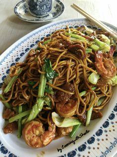 Bakmi Goreng Cina (Halal) Halal Recipes, Indian Food Recipes, Snack Recipes, Asian Recipes, Chinese Dumplings, Nasi Goreng, Korean Food, Chinese Food, Western Food