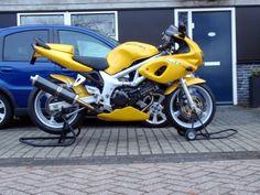 Modded SV650 Suzuki Sv 650, Cars And Motorcycles, Motorbikes, Yamaha, Honda, Bike Ideas, Vehicles, Leadership, Garage