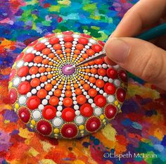 Wonderful Mandala Stones by the Artist Elspeth Mclean - KiteSista Rock Painting Patterns, Dot Art Painting, Rock Painting Designs, Mandala Painting, Pebble Painting, Pebble Art, Stone Painting, Mandala Print, Mandala Painted Rocks