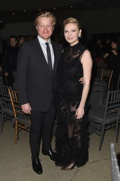 Jesse Plemons And Kirsten Dunst - Celebrity Couples Who Are Rarely Seen Together - Photos Celebrity Babies, Celebrity Couples, Kirsten Dunst Pregnant, Pregnant Tips, Famous Duos, Cute Overalls, Pregnant Celebrities, Old Actress, Moda Femenina