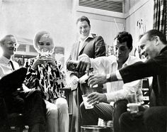 Wally Cox, Marilyn Monroe, Dean Martin at her dressing room birthday party June 1962 Classic Hollywood, Old Hollywood, Marilyn Monroe, Birthday Toast, Joey Bishop, Peter Lawford, 36th Birthday, Happy Birthday, Zombies
