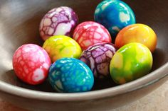 Neon food coloring and a crackling technique gives hard boiled eggs a fun makeover Easter Recipes, Egg Recipes, Holiday Recipes, Easter Ideas, Recipies, Hard Boiled, Boiled Eggs, Boil Easter Eggs, Easter Bunny