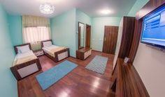camera dubla hotel coral iasi Coral, Mirror, Rugs, Furniture, Home Decor, Pictures, Farmhouse Rugs, Decoration Home, Room Decor