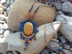 """Weiteres - Makrame Halskette """"Schwarzlicht"""" - ein Designerstück von Mundo-Makramee bei DaWanda"""