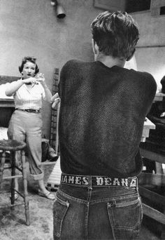 Jimmy and his James Dean belt! Vintage Hollywood, Classic Hollywood, Hollywood Icons, Hollywood Stars, American Idol, American Actors, Rockabilly, James Dean Photos, Jimmy Dean