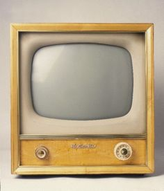 Gorgeous old television. and this was what we watched our s-Gorgeous old television. and this was what we watched our shows on as a kid. a… Gorgeous old television. and this was what we watched our shows on as a kid. aaah the memories. Tvs, Vintage Television, Television Set, Cable Television, Radios, Tv Retro, Radio Antigua, Record Players, Old Tv Shows