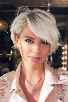 Today we have the most stylish 86 Cute Short Pixie Haircuts. We claim that you have never seen such elegant and eye-catching short hairstyles before. Pixie haircut, of course, offers a lot of options for the hair of the ladies'… Continue Reading → Stylish Short Haircuts, Popular Short Haircuts, Girls Short Haircuts, Short Hairstyles For Women, Layered Hairstyles, Black Hairstyles, Easy Hairstyles, Office Hairstyles, Anime Hairstyles