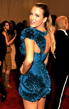 Blake Lively in Marchesa Fall 2010 Ready-to-Wear