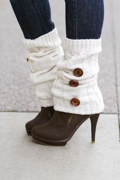 Cuddle Me Cable Knit Big Button Leg Warmers- (Cream) Trendy Outfits, Cute Outfits, Fashion Outfits, Womens Fashion, Fall Winter Outfits, Autumn Winter Fashion, Looks Style, My Style, Knit Boots