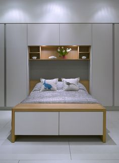 Simple and elegant bedroom storage ideas by Roundhouse Design - Bedroom Condo Bedroom, Bedroom Hacks, Home Decor Bedroom, Bedroom Ideas, Bedroom Storage For Small Rooms, Small Master Bedroom, Wardrobe Design Bedroom, Bedroom Cabinets, Round House