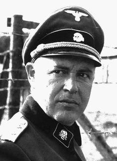 Franz Reichleitner: A diferencia de la pésima administración de Eberl del proceso de exterminio nazi, SS el capitán Franz Reichleitner tendió a su temor fiel rebaño de personal del campo en las instalaciones de exterminio de Sobibor con puño de hierro y, literalmente, condujo el proceso de la muerte con la voluntad descarada y tecnocrática de precisión.