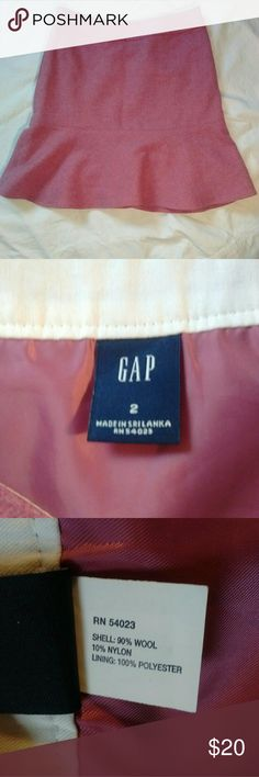 Gap pink wool skirt with ruffle size 2 Like new condition, 18 inches long, waist 15 inches GAP Skirts