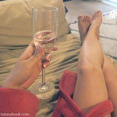 Apua raskausajan turvotukseen: Alcoholic Drinks, Glass, Health, Drinkware, Health Care, Alcoholic Beverages, Salud, Liquor, Alcohol Mix Drinks