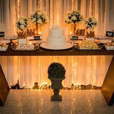 Casamento Civil de Cris e Bruno. Um evento super íntimo para celebrar o momento. Foto: @blurfotografia #petitdecor #casamentocivil #miniwedding #mesadebolo #luzes #lights #wedding #miniwedding #noiva #casandoembelem #noivasdebelem #partydecor #partyideas