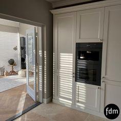 Wij maken jouw landelijk, klassieke droomkeuken geheel voor op maat. Witte Rall kleur: 9010