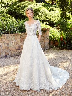 Moonlight Couture offers a selection of beautiful designer wedding dress gowns & beaded wedding dresses for your big day. Wedding Dress With Pockets, Wedding Dress Sleeves, Dresses With Sleeves, Lace Sleeves, Bridal Wedding Dresses, Designer Wedding Dresses, Modest Wedding, Bridal Lace, Wedding Gown A Line