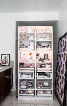 15 ideas makeup organization vanity storage make up Diy Makeup Organizer, Makeup Storage Organization, Bathroom Organization, Organization Ideas, Bathroom Shelves, Organizing, Bathroom Sinks, Ideas For Makeup Storage, Beauty Organiser