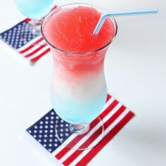 Make your #patriotic party more fun with these Frozen Boozy Bomb Pop #Drinks!