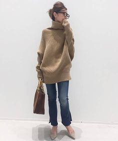 L'Appartement(アパルトモン)のコーディネートスナップ in 2020 Fashion Pants, Fashion Outfits, Womens Fashion, Unisex Fashion, Fall Winter Outfits, Autumn Winter Fashion, Effortlessly Chic Outfits, Fashion Desinger, Cool Outfits