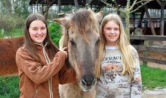 isibless - Schulpferd des Jahres: Emma und Luisa stellen 'Mósi' vor