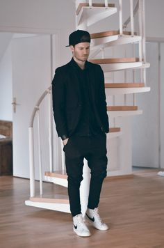 Wear all black without sweating your @$$ off - 10 Spring Style Tips Real Guys Can Learn From Street Style   Complex