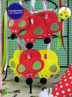 Souvenirs Con goma eva paso a paso Biscuit, Foam Crafts, Craft Foam, Felt, Kids Rugs, Aurora, Decor, Craft Ideas, Embellishments