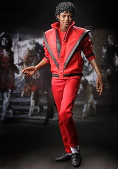 Welcome this Michael Jackson Thriiller Hot Toys into my family. Michael Jackson Doll, Statues, Jaws Movie, Real Model, The Jacksons, Sideshow Collectibles, Barbie Friends, Cultura Pop, Michael Jackson Thriller